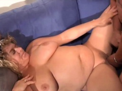 Chubby German MILF loves to have a passion