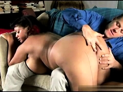 BIG ASS AUSTRALIAN MATURE MOM