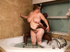 Be in charge BBW Bunny De La Cruz Fucks Glowering Cock in Tub