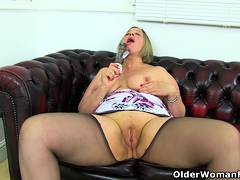 English milf Shooting Personage dildos her entertaining cunt be useful to us