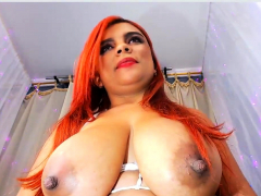 Big Boobs Nipples Flash out of reach of her Webcam stream