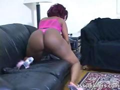 Ebony mistress' big fat bouncy ass cheeks at work