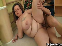 Chubby bitch fucks her fitness instructor