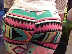 Big booty bbw latina in colorful leggings