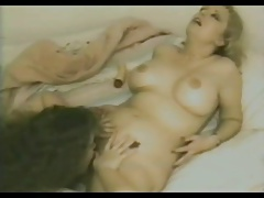 Horny Fat Chubby Lesbians love to suck Pussy juice-2