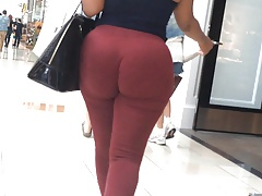 Jiggly Phat Ass Donk in Overheated Pants (edited)