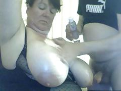 beamy boobed webcam