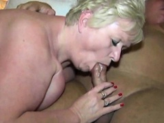 Grown-up BBW Trades Oralsex
