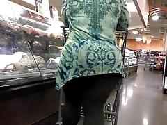 Thick mature MILF ass part 1