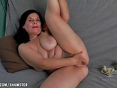 Nina fingers their way heavy hairy pussy