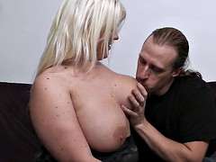 Fuck date with lovely blonde plumper