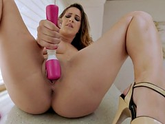 Twisyts - Ashley Adams - unexcelled