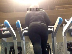 Artless pre-eminent BBW Donk Clapping On The Treadmill