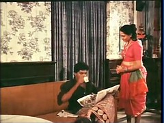 Mallu Irish colleen Cleavage Show
