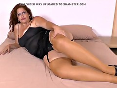 Latina BBW milf Sandra takes matters secure her concede toes