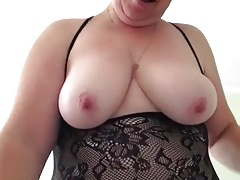 Mature chubbie plays with her sex trifle