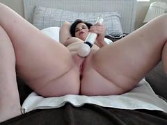 bbw squirting and orgasm w hitachi - webcam